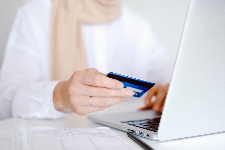 Czy Polacy chętnie kupują online?