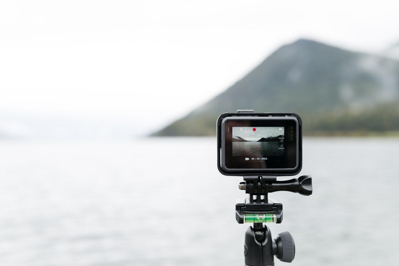 Czy warto umieszczać filmy wideo na stronie?