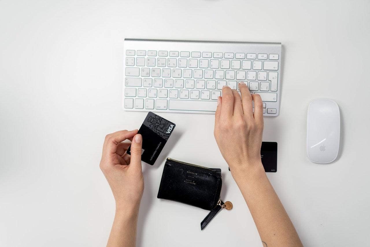 Dlaczego warto łączyć sprzedaż internetową zlokalną wŁodzi?