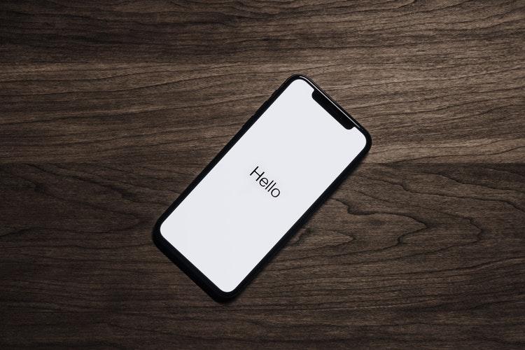 Długość wyrazów w smartphonie i na komputerze