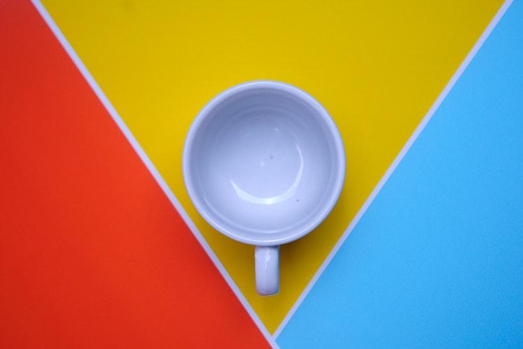 Nowoczesny minimalizm jako przykład trendu wtworzeniu stron www